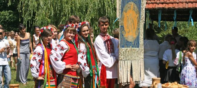 Каталог робіт «Міжнародні молодіжні гончарські фестивалі у Опішному (2012-2015)»