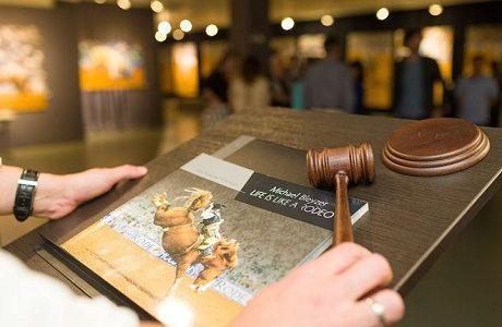 Благодійний прийом-аукціон фотовиставки Майкла Блейзера «Життя, як Родео»